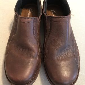 CLARKS LOAFERS Size 10 1/2 M Brown Leather Slip On